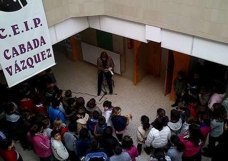 Complemento alimenticio cardiosaludable.Padres de los alumnos de Codeseda recitan esta semana poemas de Rosalía de Castro.