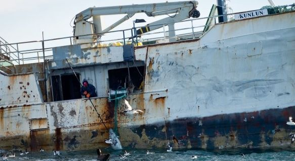 Acoso a los piratas.Tanto la patrullera neozelandesa como las organizaciones regionales disponen de pruebas contra los barcos.