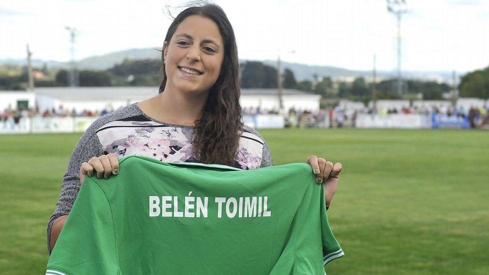 Belén Toimil durante un acto de reconocimiento en Mugardos