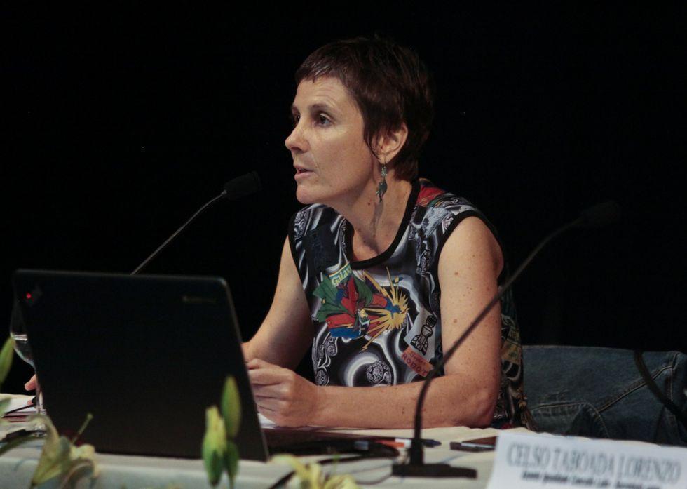 Munilla ordena su reclusión en un monasterio.Rosa Sanchís aborda temas de sexualidad en el blog Karicies.