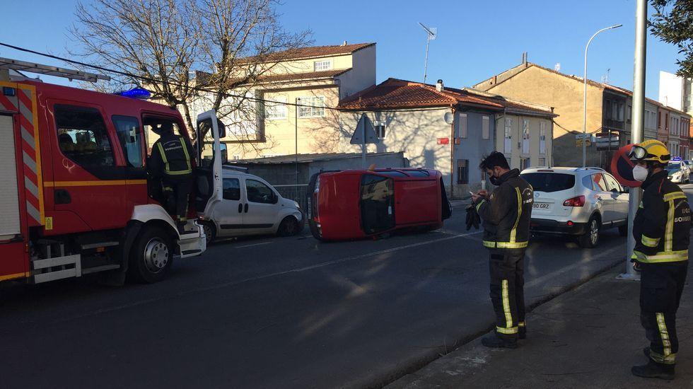 Filomena también se deja notar en Vigo.Los bomberos tuvieron que excarcelar a la conductora del turismo