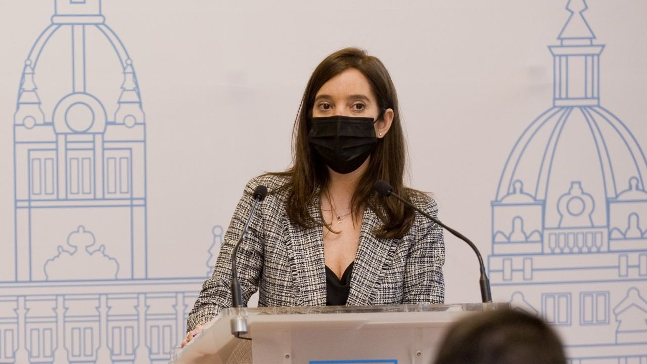palavea.La alcaldesa de A Coruña, Inés Rey, en Radio Voz. Imagen de archivo