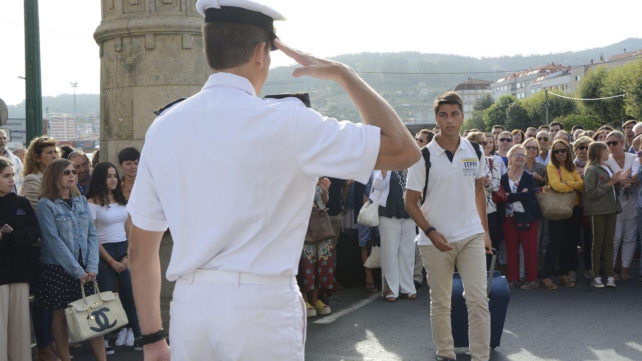 Recepción a los futuros oficiales de la Armada