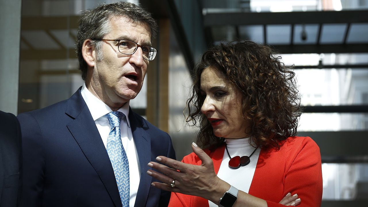 Feijoo y la ministra de Hacienda a finales de junio en A Coruña