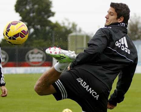 El Celta prepara la visita a Sevilla.Radoja participó con normalidad en la leve sesión de trabajo y Berizzo cuenta con él.