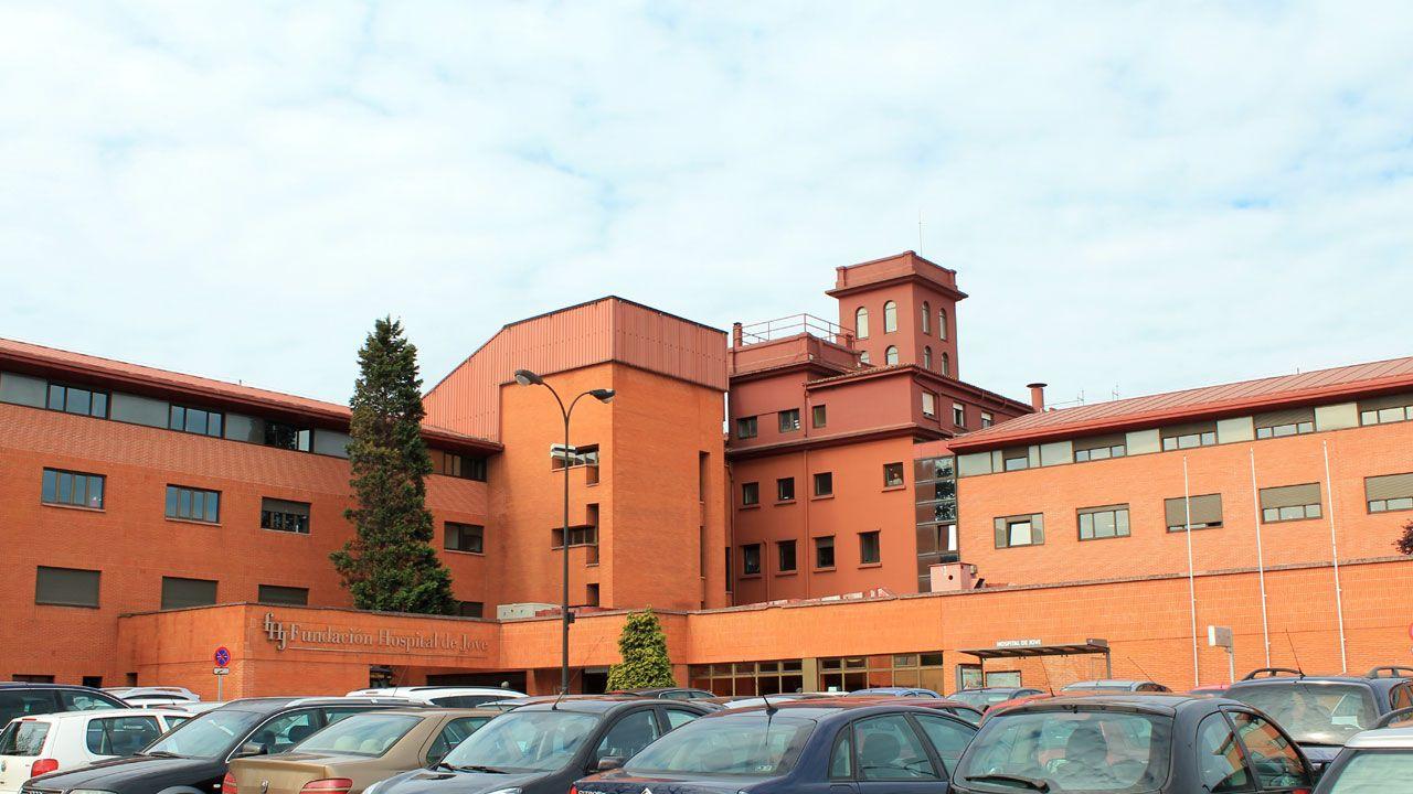 Una de la zona de la ORA en Gijón.Hospital de Jove en Gijón