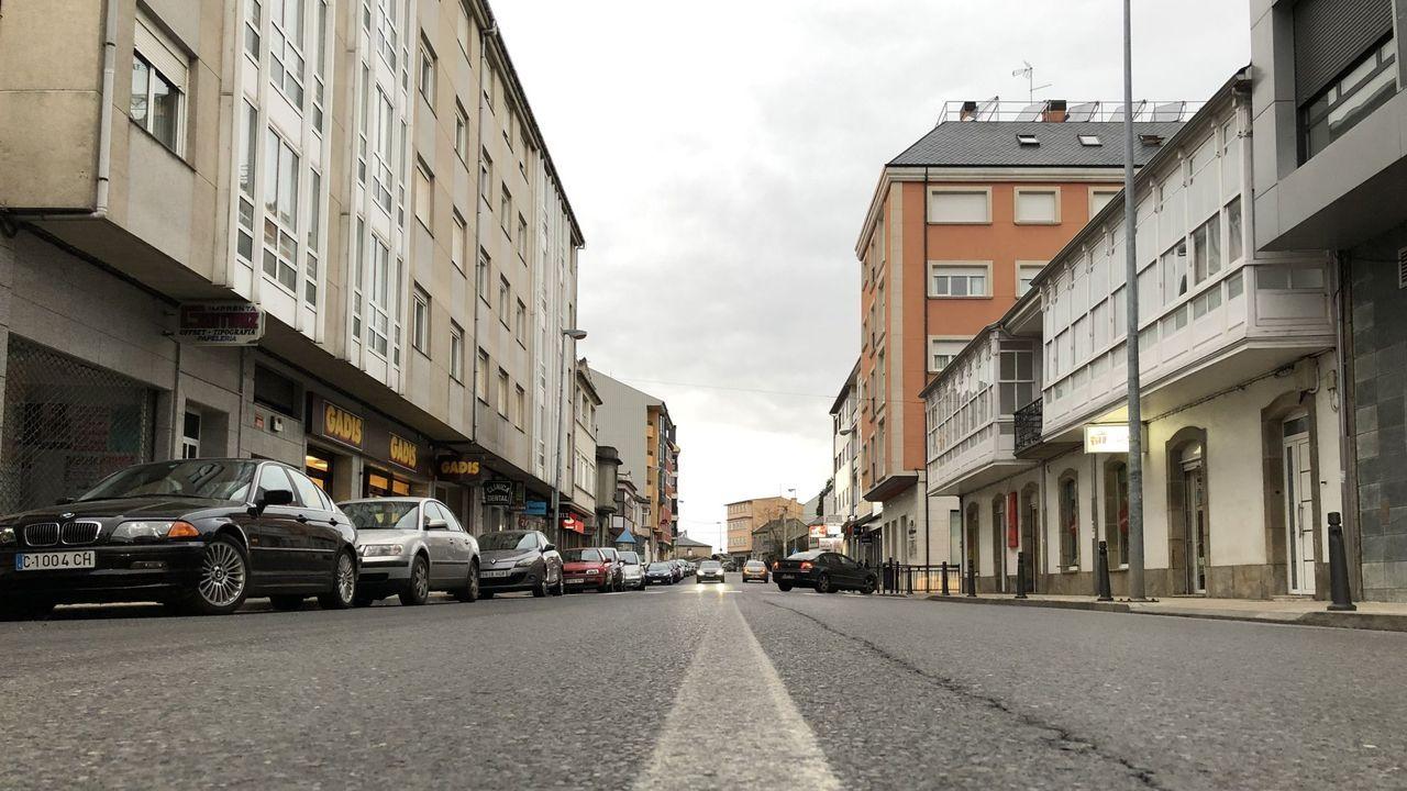 Tramo urbano de la N-VI (avenida da Coruña) en Guitiriz