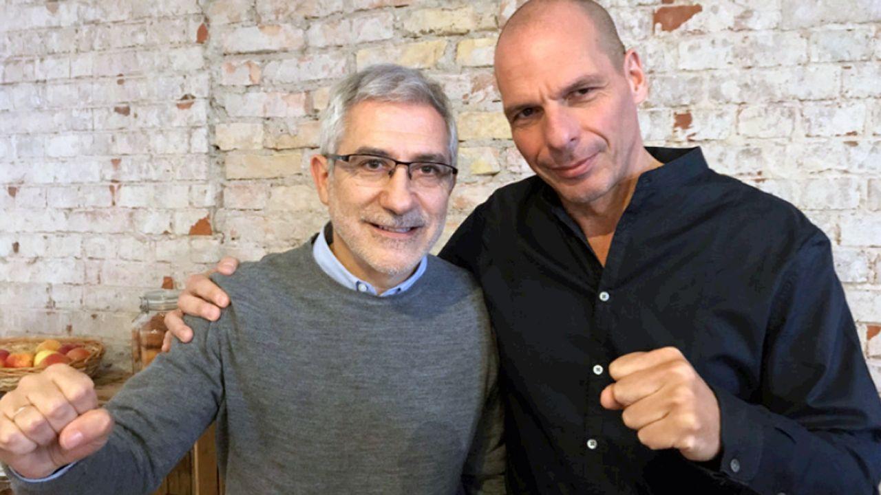 Perfil de Concha Masa.Gaspar Llamzares y Yanis Varoufakis