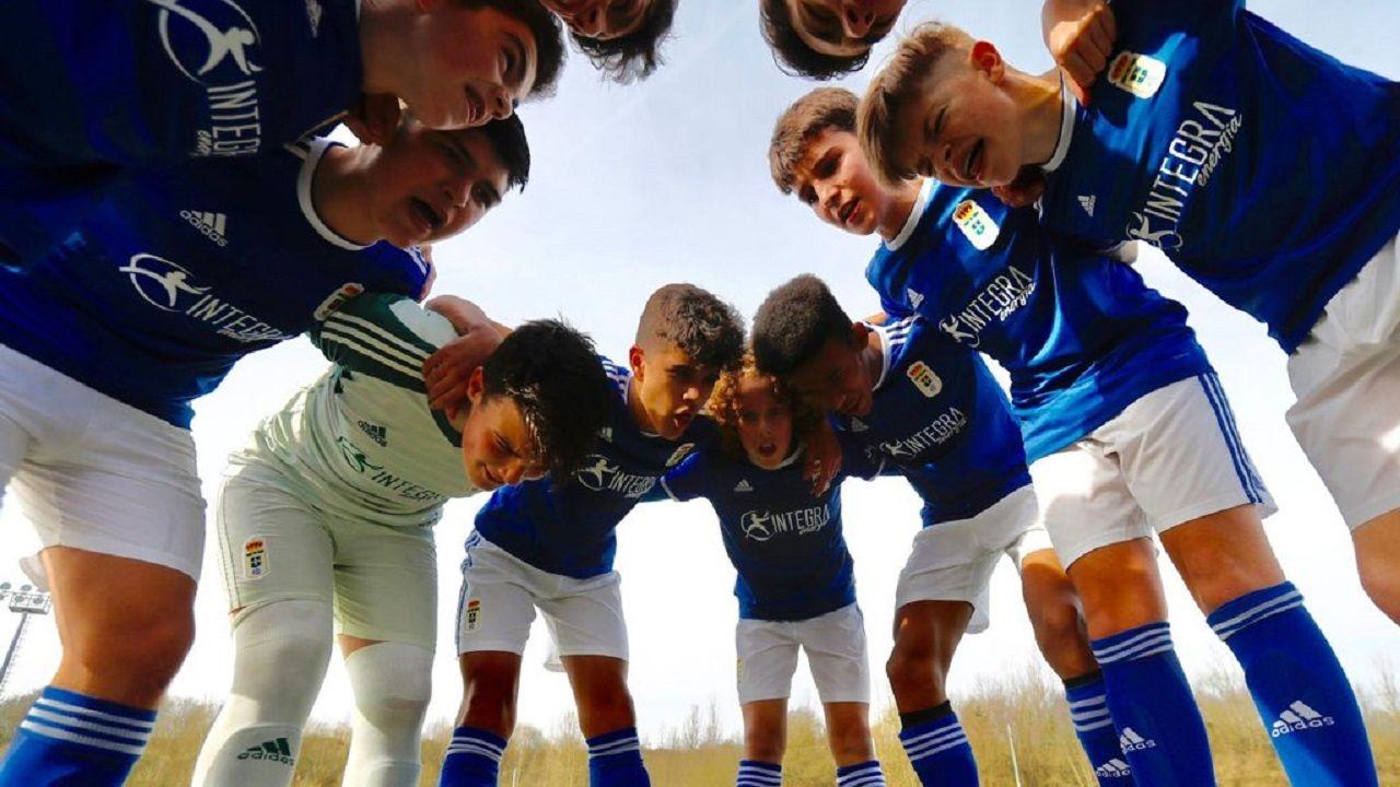Saul Berjon Inigo Perez Numancia Real Oviedo Los Pajaritos.El infantil A del Real Oviedo antes de un partido