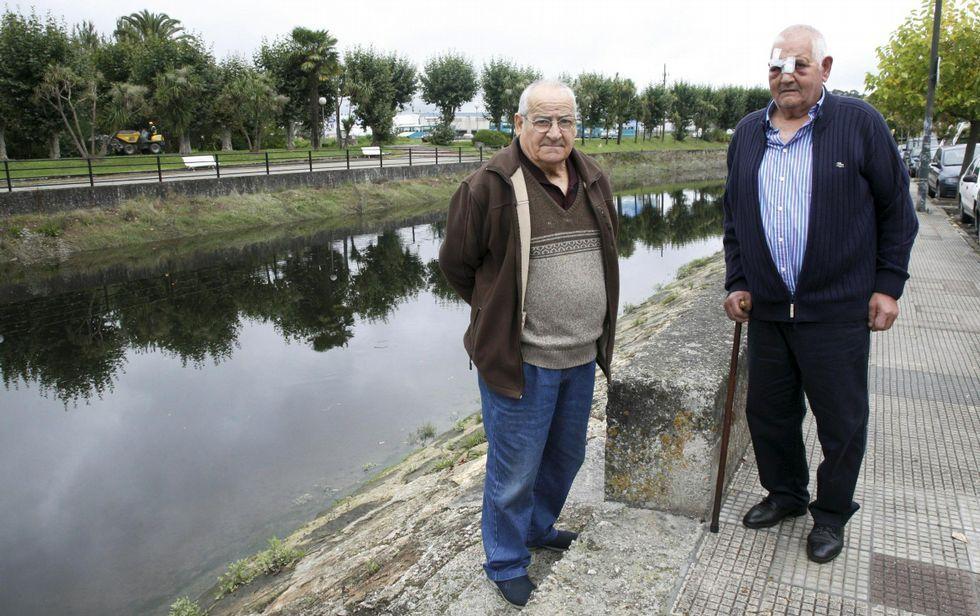Sabelo y Coco han vivido siempre en el barrio de la Ribera de Betanzos.