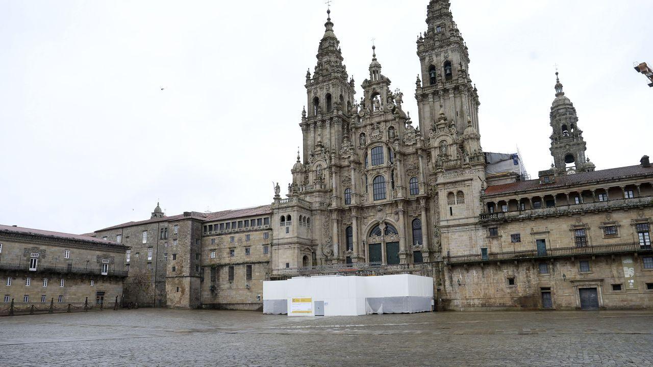 Ni una sola persona en esta imagen tomada en la praza del Obradoiro en Compostela