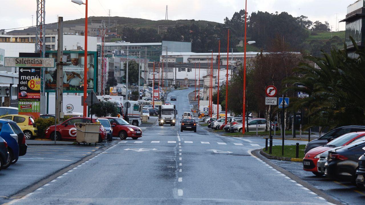 Imagen del polígono coruñés de la Grela, bastante más vacio de lo habitual.