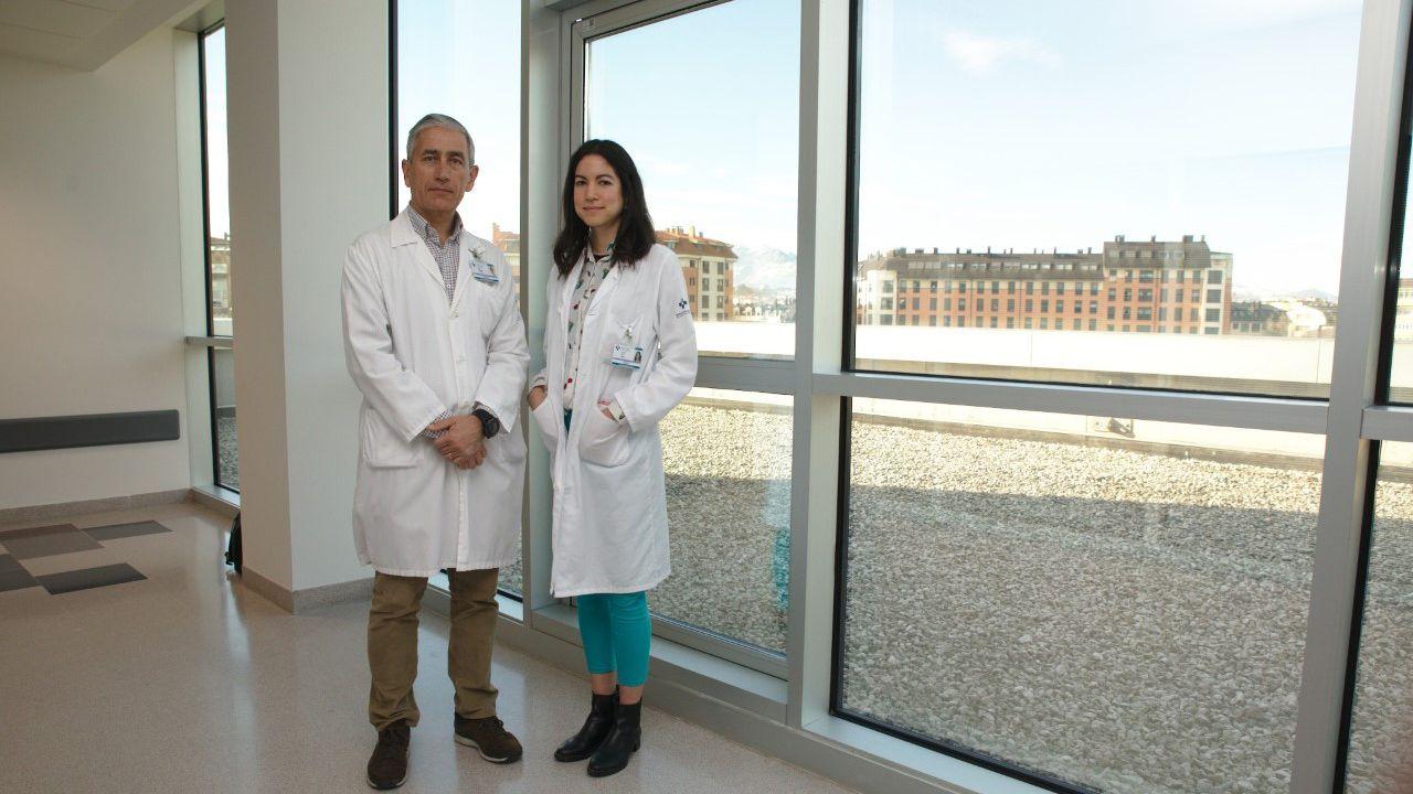 Universidad de Oviedo, videojuego, alumnos, estudiantes, asturianos.Elías Delgado jefe de sección de diabetes del Servicio de Endocrinología y Nutrición del HUCA y  Jessica Ares, doctora en el HUCA
