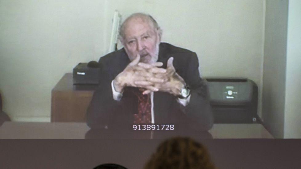 El exjefe de la Casa Real asegura que nunca se administraron las cuentas de Urdangarín.Miguel Bernard, secretario de Manos Limpias