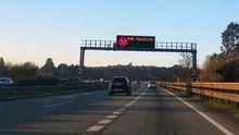 Los panales de las autovías y autopistas del área central de Asturias informan de la limitación a 90 kilómetros por hora de la velocidad por polución