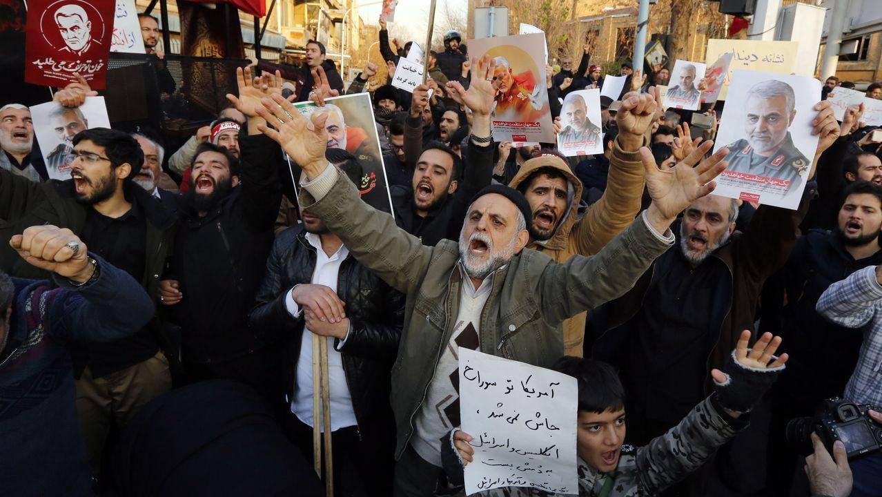 Cientos iraníes protestan frente a la embajada del Reino Unido tras la breve detención de Macaire
