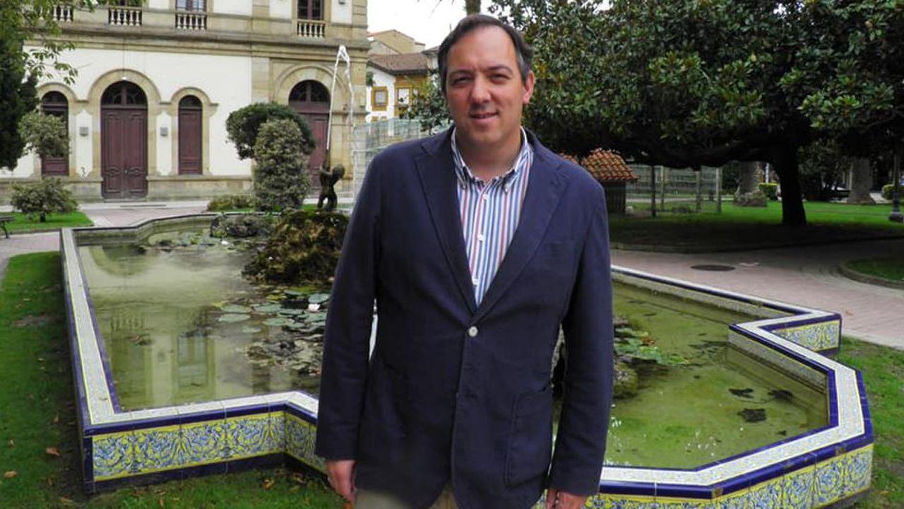 Corina Porro visita las obras de la Ciudad de la Justicia de Vigo.Alejandro Vega, alcalde de Villaviciosa