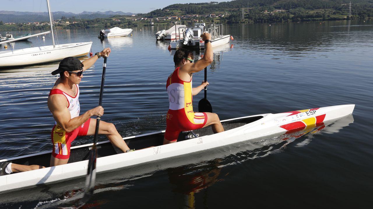 El Club Fluvial en blanco y negro.Martínez y García de Borbolla se entrenaron en Castrelo de Miño antes de partir hacia Japón