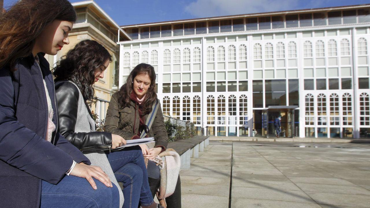 El lunes comenzarán las clases del nuevo grado de Xestión Industrial da Moda en la Facultad de Humandades