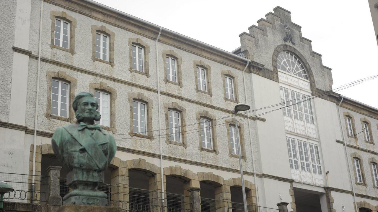 Desinfección de un colegio en Lisboa