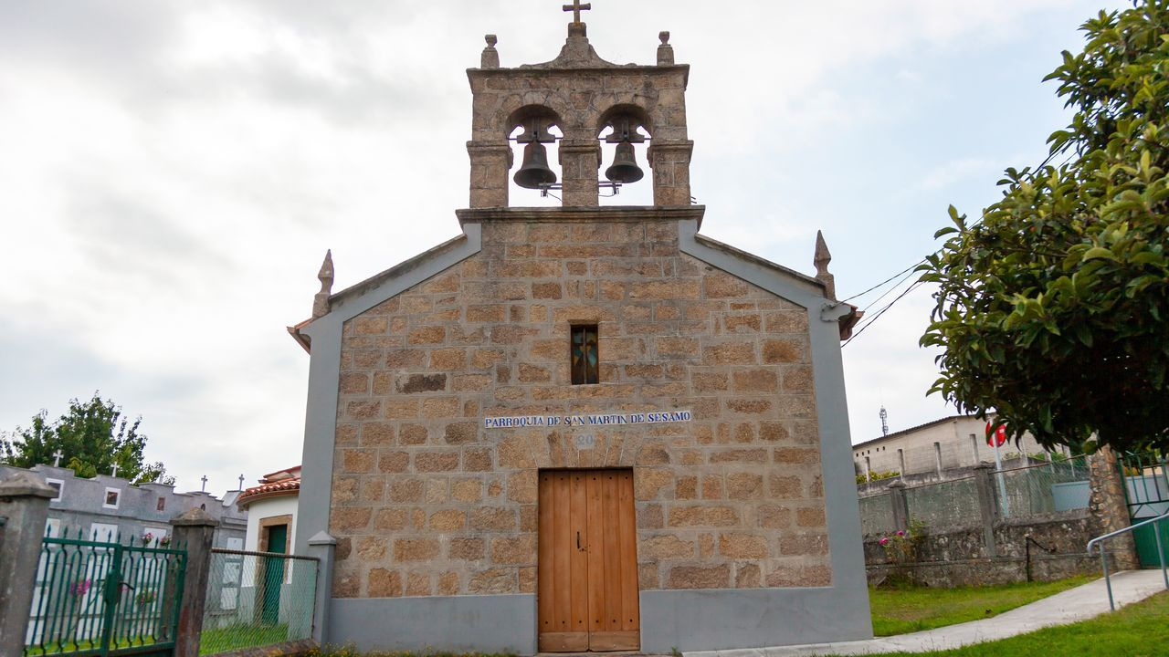 Iglesia de San Martín de Sésamo, en Culleredo