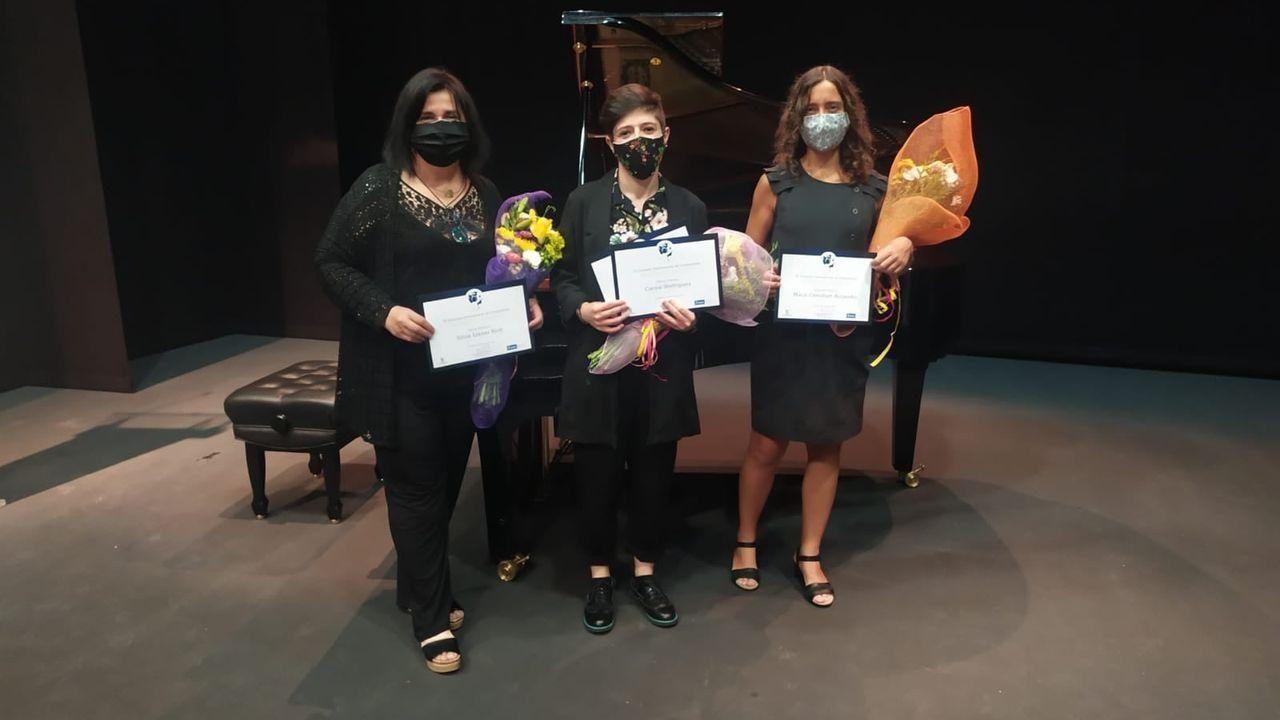 Carme Rodríguez, no centro, recibindo os dos premios do Concurso Internacional María de Pablos convocado pola Fundación Don Juan de Borbón e Ayuntamiento de Segovia, a pasada fin de semana