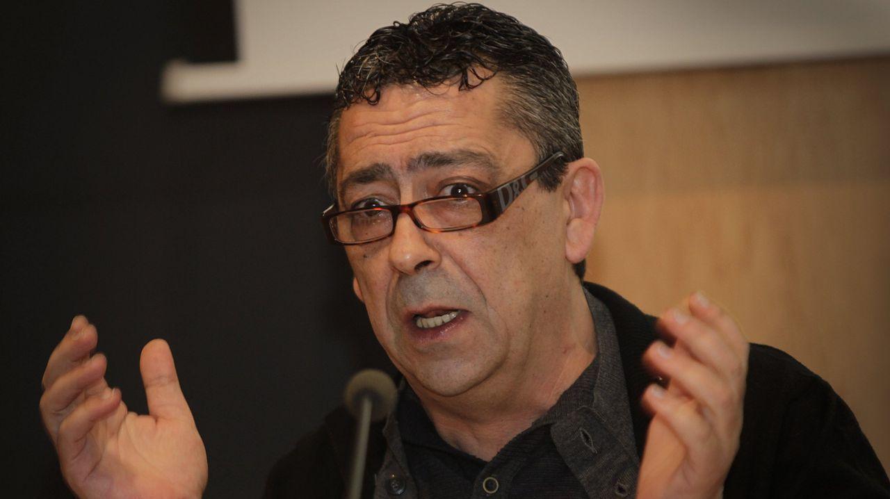 Gandeiros de Xallas reivindican su trabajo y dan ánimo a golpe de «Vivir».El ganadero Miguel López Domínguez es, junto a su madre, uno de los socios de Agrigga.