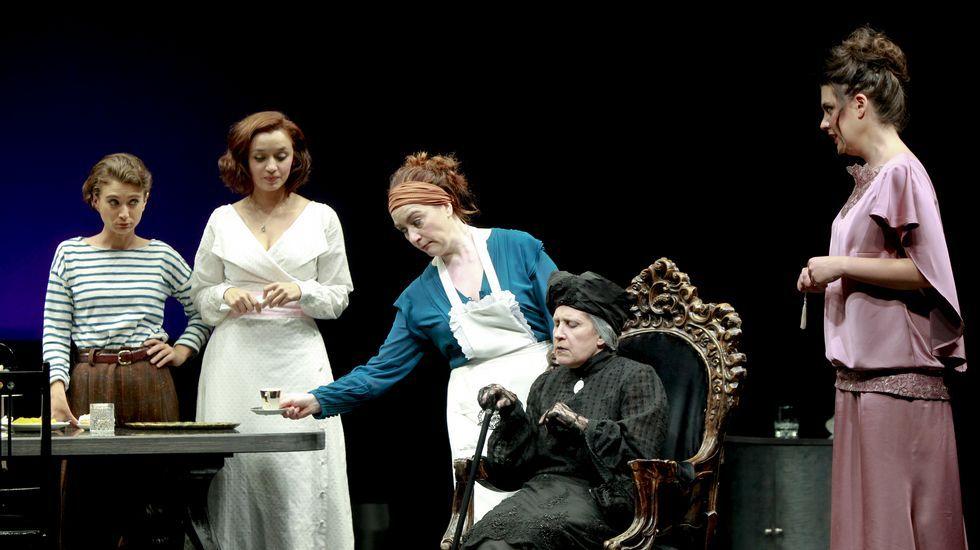 «Tartufo», el nuevo espectáculo del Centro Dramático Galego, en imágenes.Dorotea Bárcena recibió el Premio María Casares en el año 2006