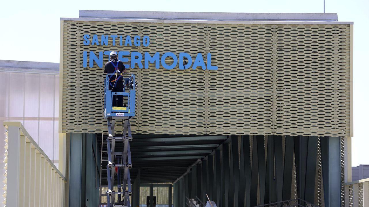 La intermodal de Santiago ya está lista para su arranque.Los operarios estaban ayer con los últimos retoques en la estación intermodal