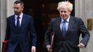 Boris Johnson sale, este martes, de Downing Street