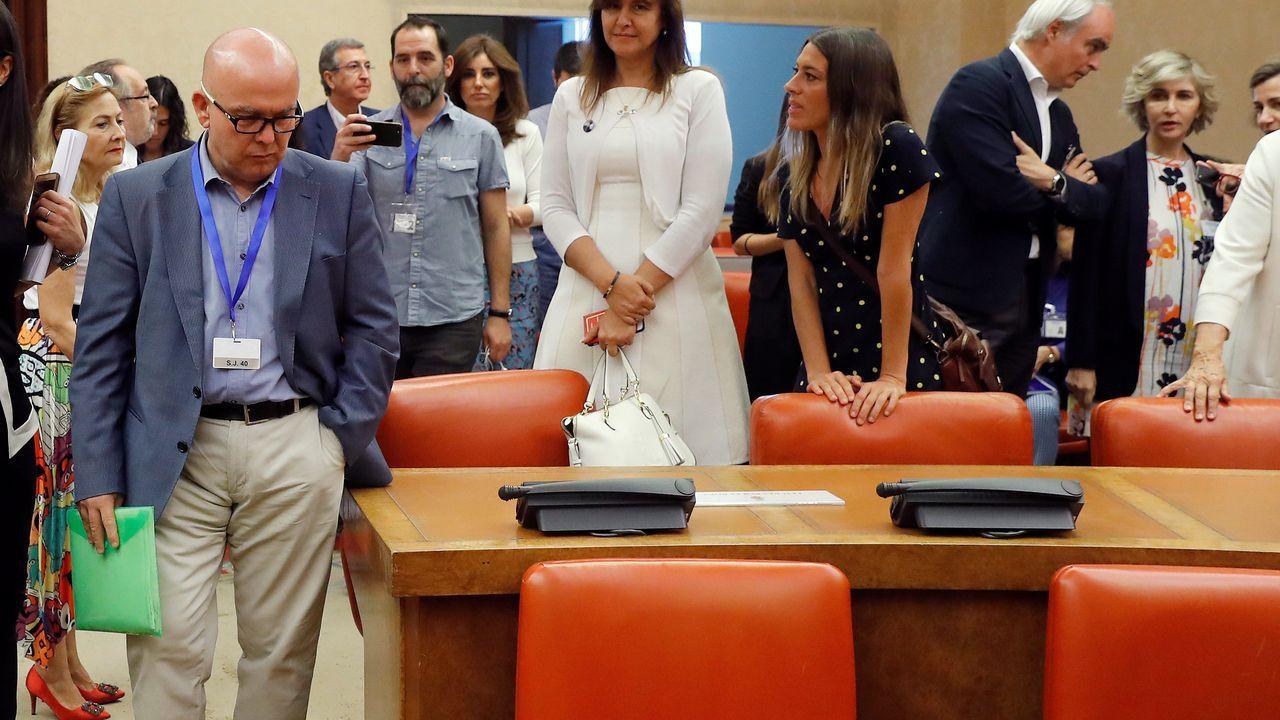 El abogado de Puigdemont, Gonzalo Boye, tuvo que presentar su documentación en el registro como le ordenó una funcionaria de la Junta Electoral.El túnel de As Maceiras desde la estación de Urzáiz, desde donde partiría el subterráneo de la salida sur