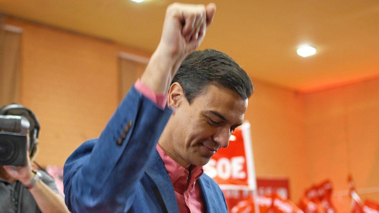 Errejón empieza a tejer alianzas.Íñigo Errejón y Villares, durante una visita a Pontevedra en el 2016