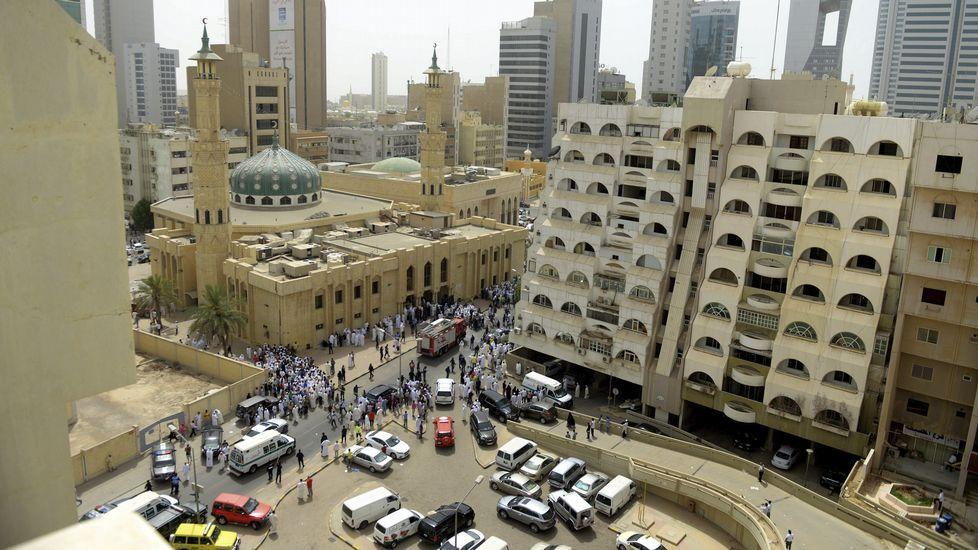 Vista lejana de la mezquita asaltada