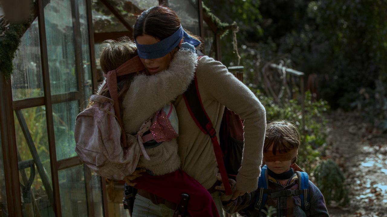«Roma», «Green Book» y «Bohemian Rhapsody» triunfan en los Globos de Oro.Sandra Bullock es una madre que lucha por sobrevivir frente a una amenaza que ataca a la humanidad a través de la vista