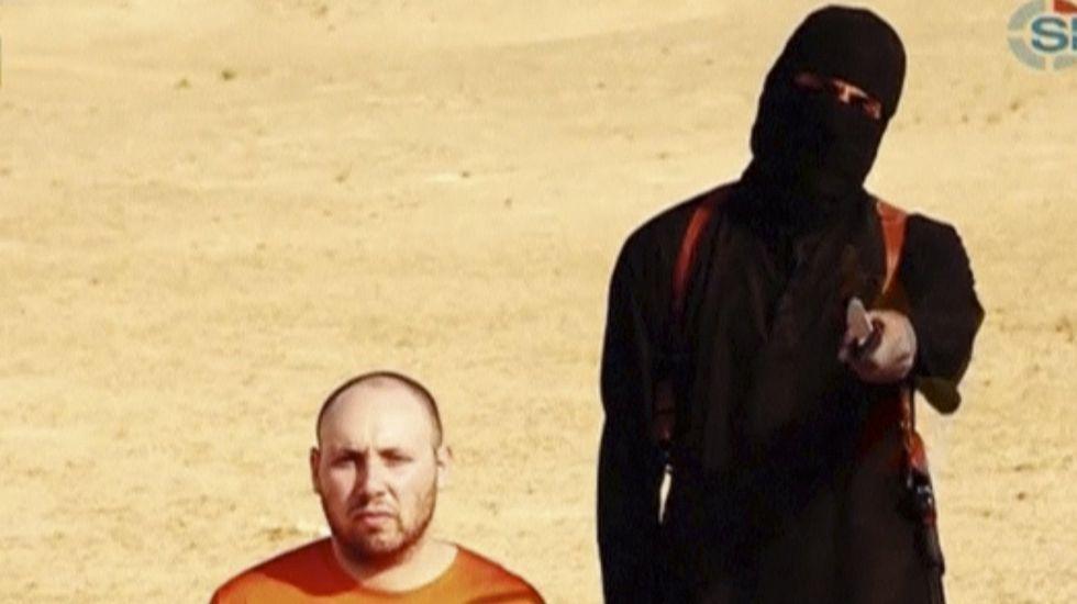 Accidente ferroviario en Filadelfia.Imagen de un vídeo en el que aparece el hombre enmascarado identificado como «John el Yihadista».