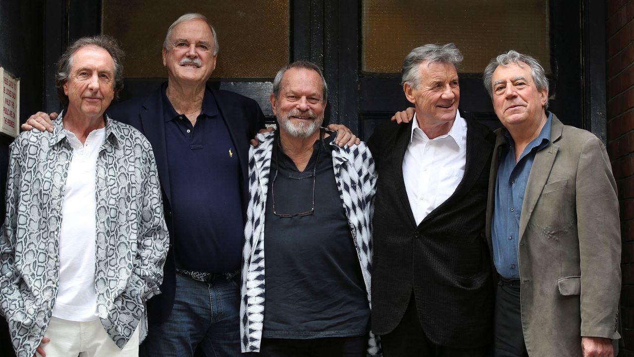 Eric Idle, John Cleese, Terry Gilliam, Michael Palin y Terry Jones, todos los miembros del los Monty Python