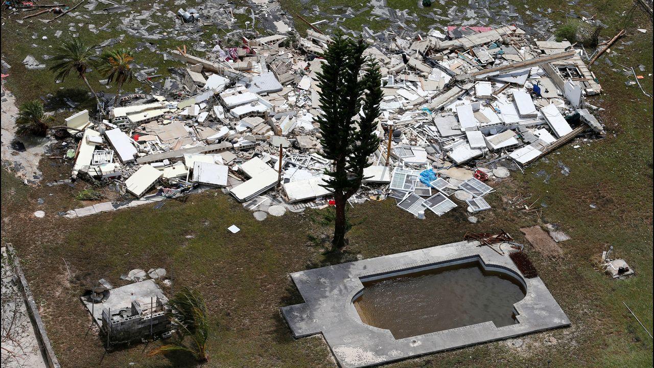 José Andrés lleva comida en helicóptero a una pequeña isla de las Bahamas