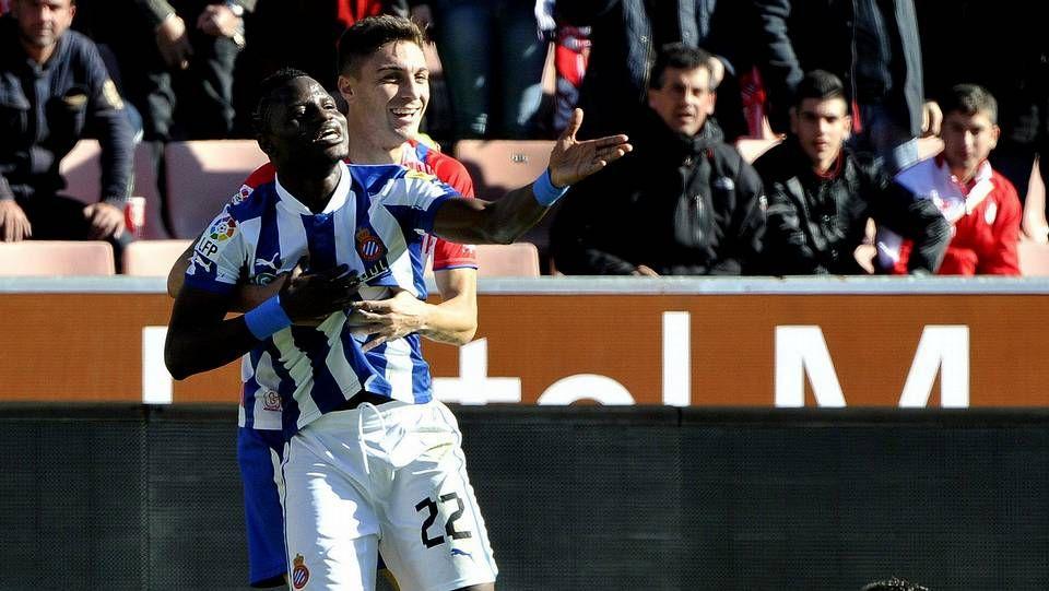 Salomão con su compatriota Nelson Oliveira, que hoy podría debutar como titular en la Liga.