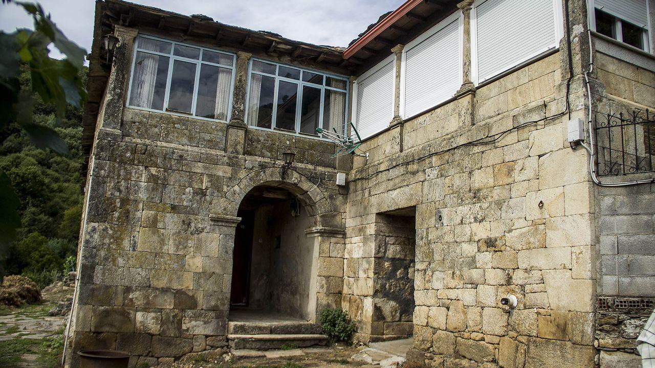 La Casa de Albarde poseyó numerosas bodegas en la parroquia