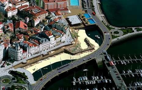 Uno de los proyectos para el Parrote, avalado por la Universidad coruñesa, proponía recuperar la playa.