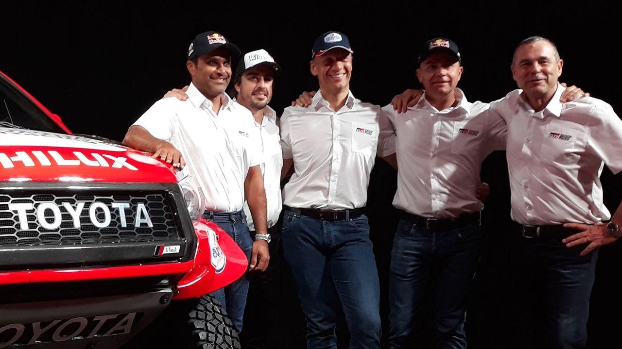 El monfortino Eduardo Iglesias se encuentra con Fernando Alonso en el desierto. Fernando Alonso disputará el Dakar 2020 con el Toyota Gazoo Racing.