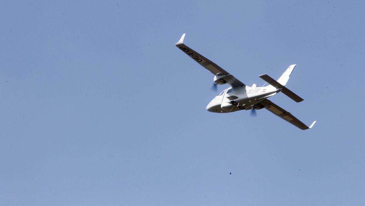 Uno de los drones de Indra, en proceso de desarrollo en el aeródromo lucense de Rozas.