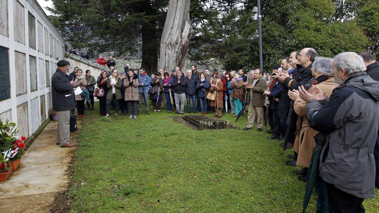 Inauguración de monolito en recuerdo de tres víctimas del franquismo en Mondoñedo