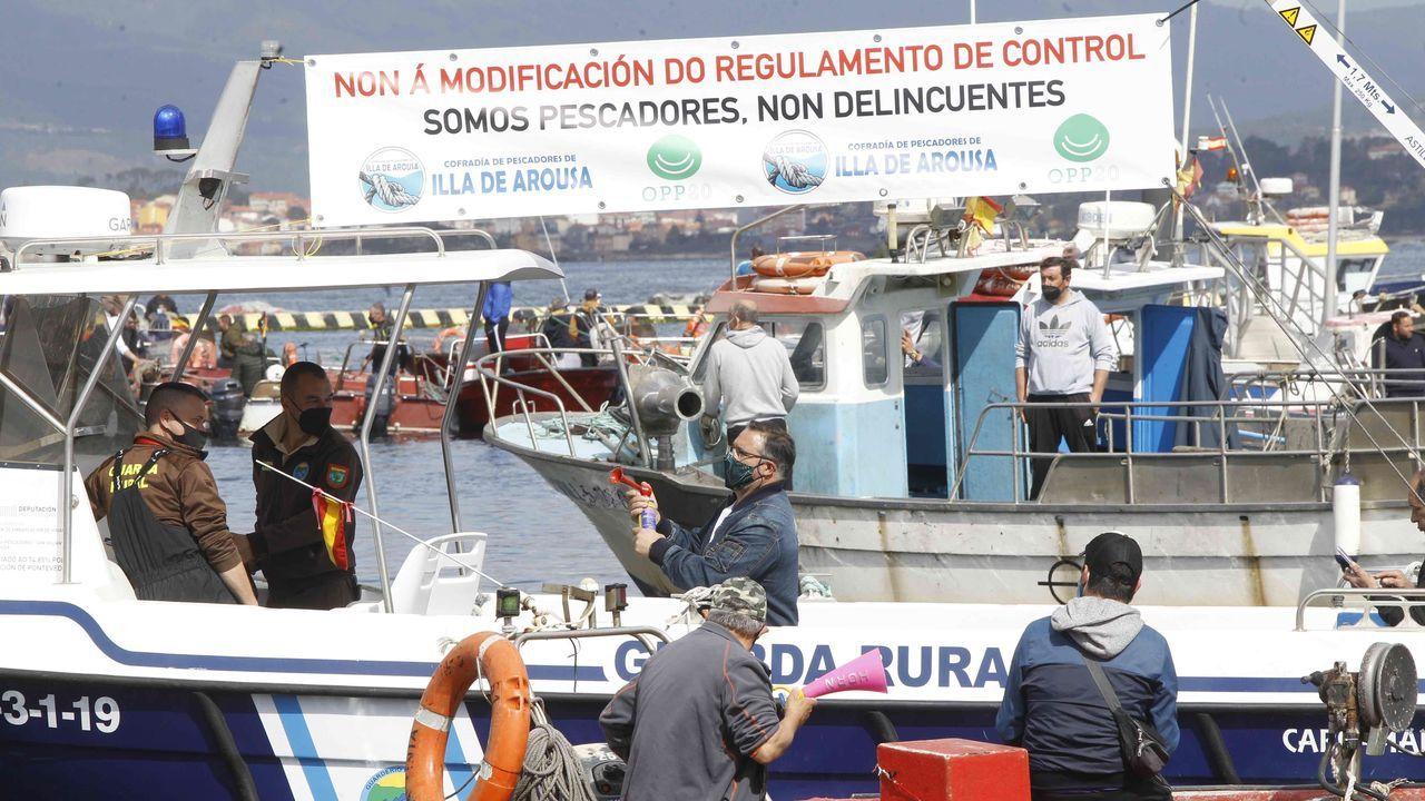 Embarcaciones protestando en Combarro