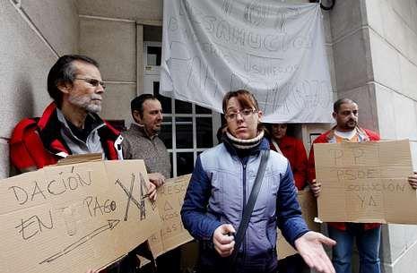 Comparecencia de Ada Colau en el Congreso.Los vecinos impedían el último desalojo, que no se produjo por consejo de la Guardia Civil.