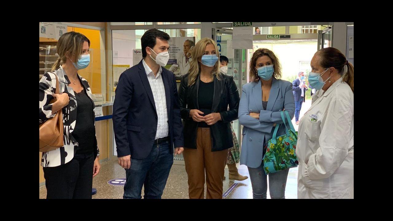 Caballero y Lara Méndez visitaron un centro de salud de Lugo