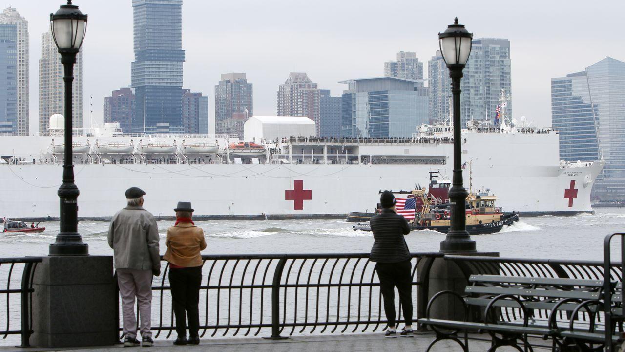 La llegada del Comfort ha levantado la moral de la población neoyorquina