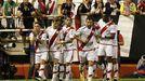 Varios jugadores del Rayo celebran un gol