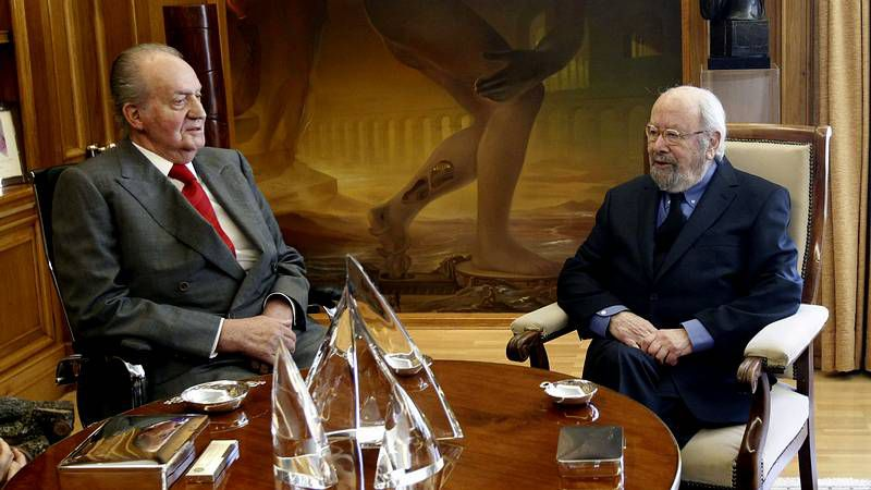 El rey vuelve «para dar guerra».Elena Poniatowska se prepara para recibir el Cervantes