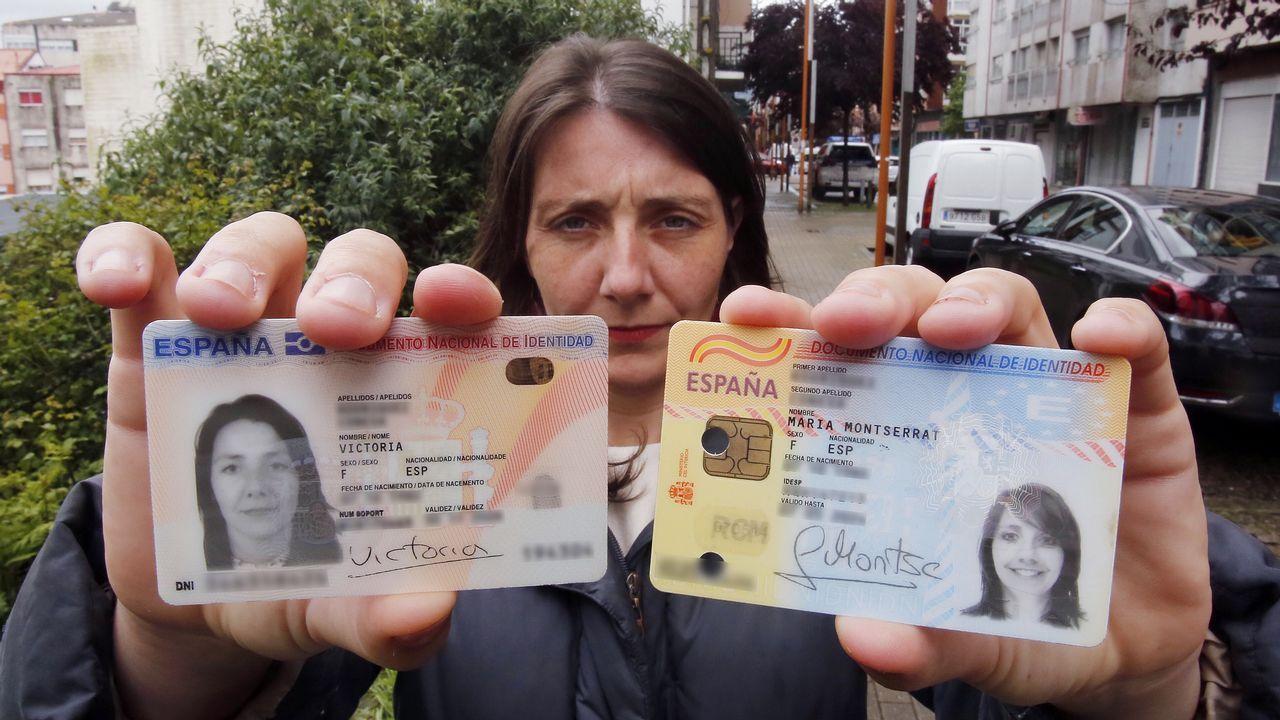 Derechos y empleo digno el Primero de Mayo.Victoria muestra el DNI nuevo y el antiguo, con el que finalmente podrá votar
